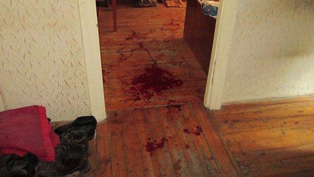 У Золочеві 30-річний чоловік зарізав приятеля, з яким разом орендував квартиру
