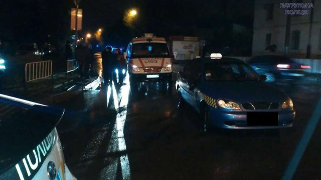 Вночі п'яний львів'янин поранив ножем двох таксистів на вулиці