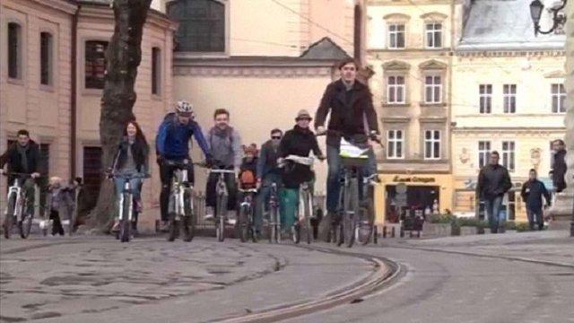 Завтра львів'ян закликають приїхати на роботу велосипедом