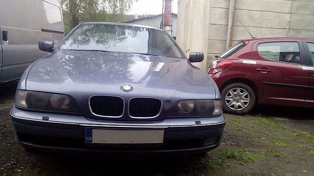 На Львівщині прикордонники затримали два контрабандні автомобілі