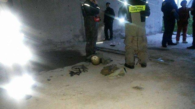 У Львові в каналізації знайшли тіло неповнолітнього