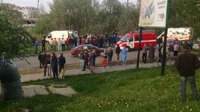 Внаслідок ДТП на Сихові загинули водій та пасажир BMW