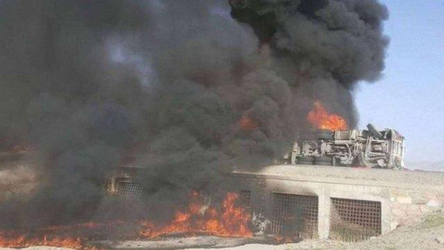У зіткненні двох автобусів з бензовозом в Афганістані загинули 73 людини