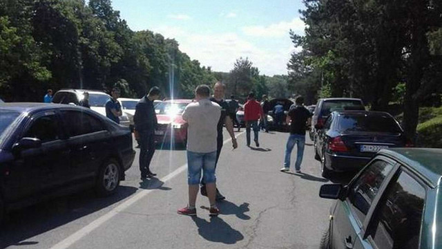 На Закарпатті власники авто з іноземною реєстрацією заблокували КПП на кордоні