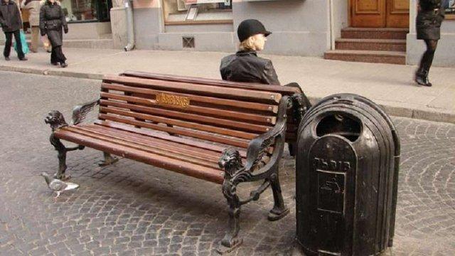 Для Львова купили чавунні смітники по ₴10,9 тис.