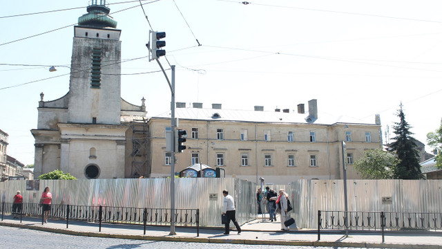 Площу Митну у Львові ремонтуватимуть до кінця року