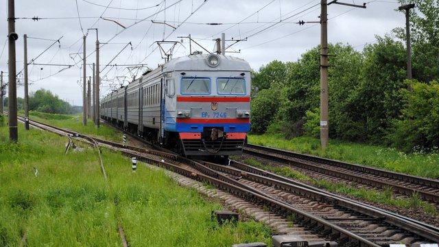 Через ремонт колії поїзд Коломия-Рахів курсуватиме лише до Ворохти