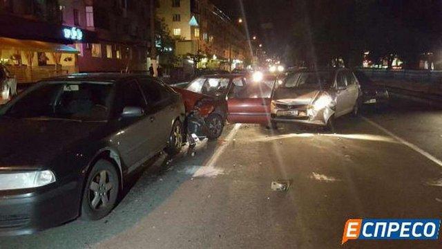У Києві зіткнулися п'ять автомобілів