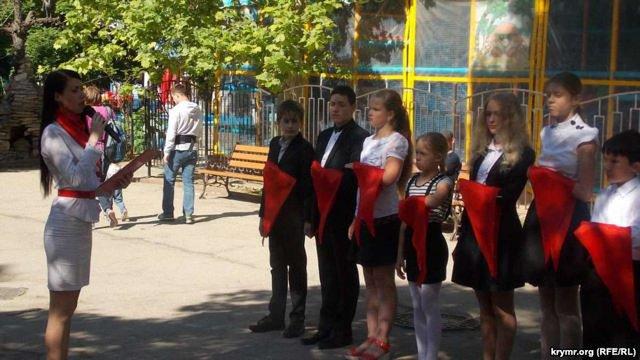 В окупованому Севастополі школярів молодших класів прийняли в піонери