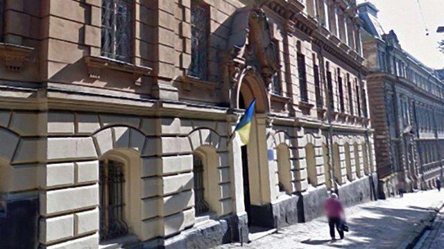 У старій львівській школі в центрі міста обвалилася стеля