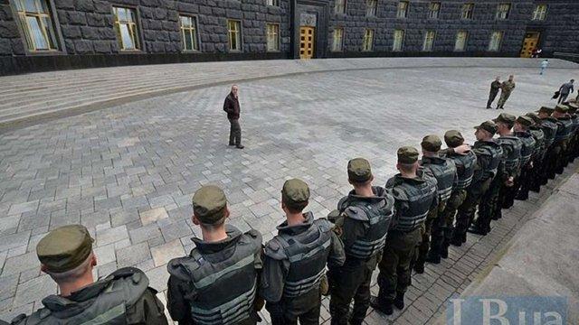 Лікарі з Сумщини пішки дійшли до Києва в знак протесту проти закриття їхньої лікарні