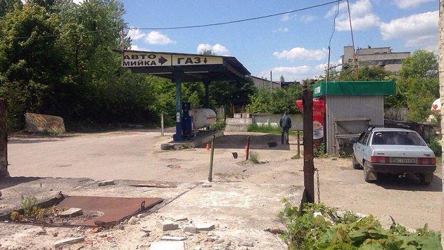 У Львові виявили ще одну підпільну газову автозаправку