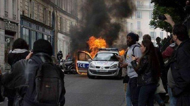 У Франції відбулися зіткнення демонстрантів з поліцією