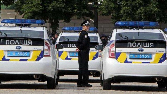 Кабмін планує використати кошти Мінекології на придбання автомобілів для поліції