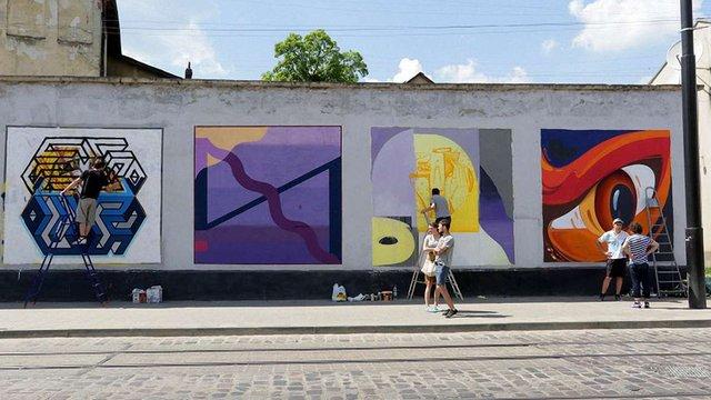 Львівську вуличну галерею прикрасили новими графіті