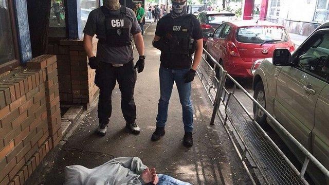СБУ затримала на хабарі у ₴40 тис. головного інспектора фіскальної служби Києва