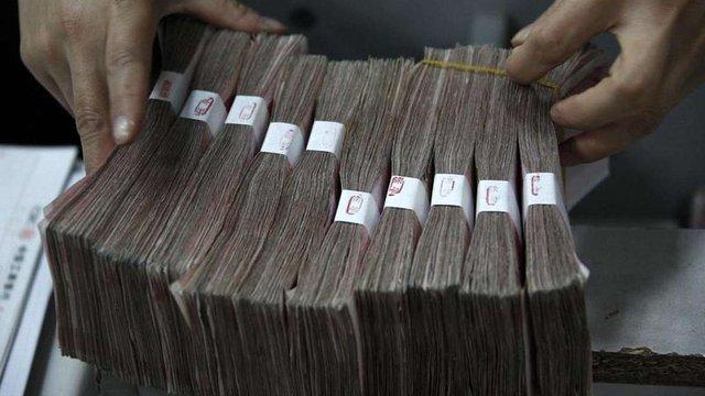 Через девальвацію гривні в Україні різко побільшало офіційних мільйонерів