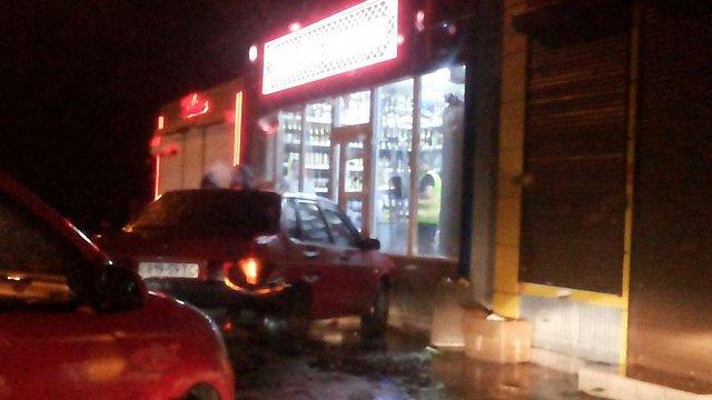 Вночі у Львові п'яний водій скоїв ДТП та в'їхав у кіоск