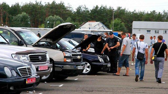 Верховна Рада знизила акцизи на розмитнення вживаних автомобілів