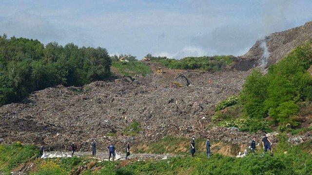 На Грибовицькому сміттєзвалищі знайшли тіло одного загиблого
