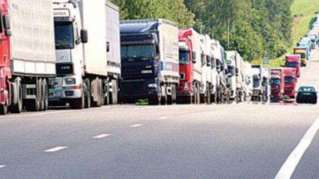 Від сьогодні рух вантажівок при температурі вище 28ºC заборонено