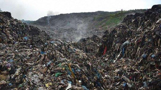 Пошукові роботи на сміттєзвалищі припинили через загрозу обвалу