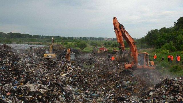 У поліції назвали версії причин трагедії на сміттєзвалищі біля Львова
