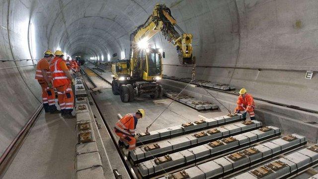У Швейцарії відкрився найдовший у світі тунель
