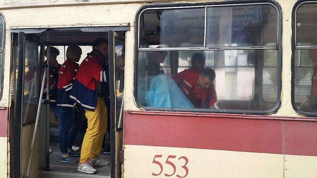 У львівському тролейбусі помер літній чоловік