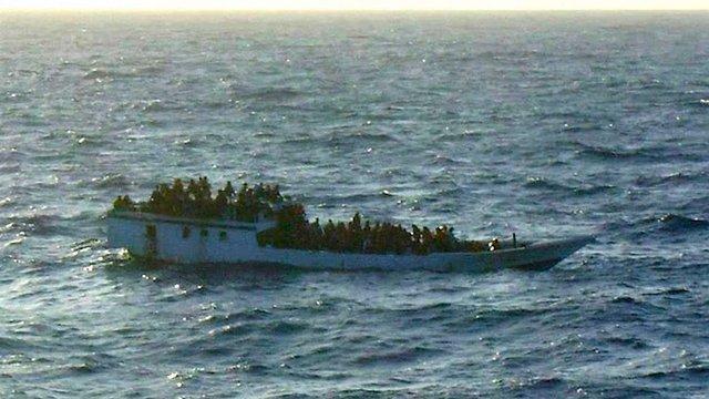 Поблизу острова Крит затонуло судно з сотнями мігрантів