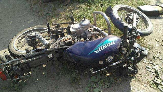 На Львівщині внаслідок зіткнення з бусом травмувалися водій та пасажир мотоцикла