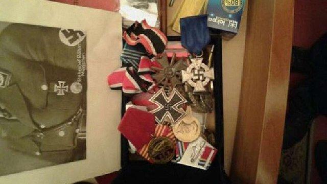 У заступника голови Миколаївської області знайшли валізу з доларами, золото і нацистські хрести