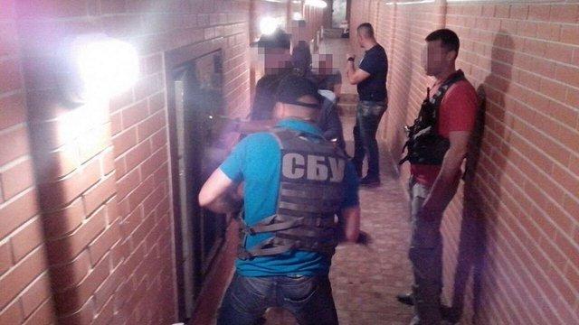 Під будинком затриманого за хабар заступника губернатора знайшли мережу тунелів зі скарбами