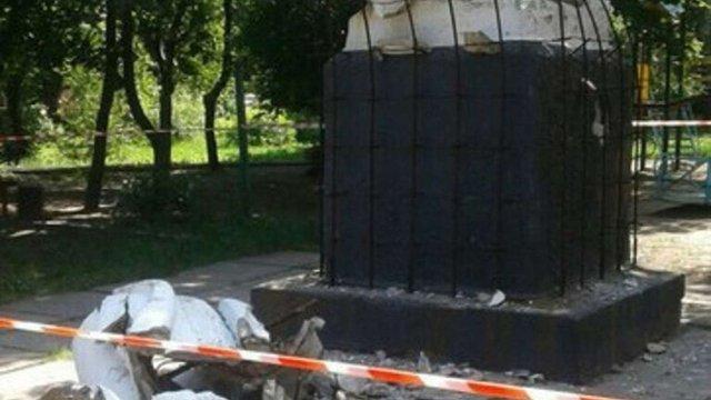 В окупованій Макіївці звалили пам`ятник Леніну