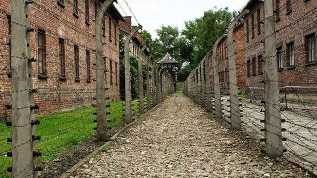 У Польщі музею Аушвіц повернули 16 тис. особистих речей жертв концтабору
