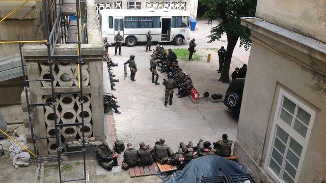 Нацгвардію для охорони Львівської міськради відправили силовики