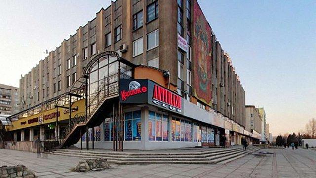 Під час бійки біля нічного клубу у Львові поранили трьох осіб