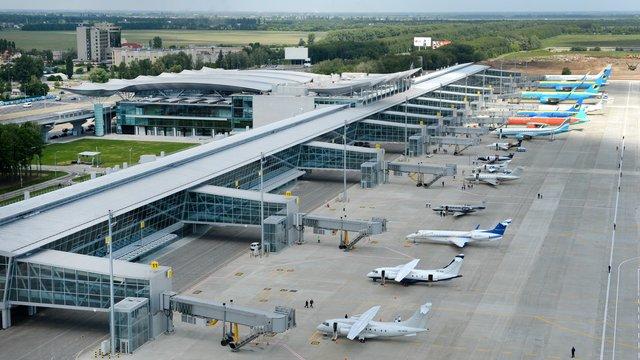 Обидва столичні аеропорти перейменують