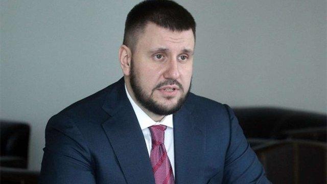 Головний податківець режиму Януковича заявив, що ЄС зняв з нього санкції