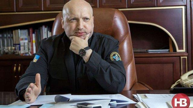 Турчинов пояснив, чому Захід не дає Україні зброю