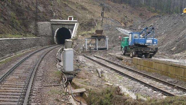 Будівництво Бескидського тунелю випереджає графіки