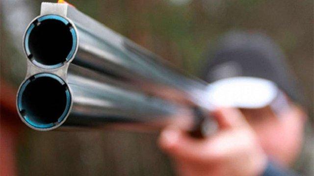 Під час нелегального полювання на Закарпатті депутат райради застрелив свого напарника