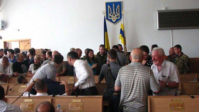 Під час засідання Рівненської облради між депутатами виникла бійка