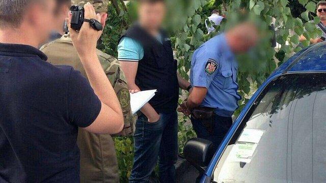 У Житомирській області на хабарі затримали поліцейського