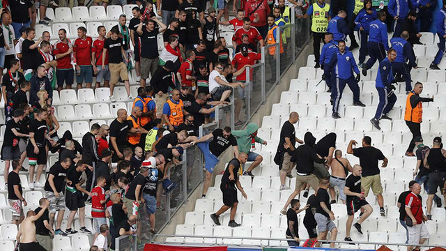 Угорські вболівальники влаштували бійку на стадіоні в Марселі