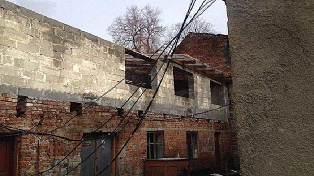 Два райцентри Львівщини залишилися без пошти, бо бюджетний ₴1 млн став особистими доларами