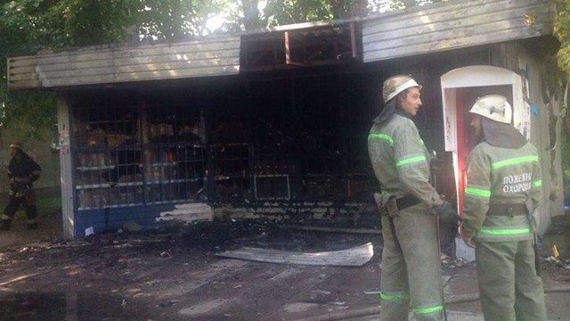 У Львові дотла згорів магазин