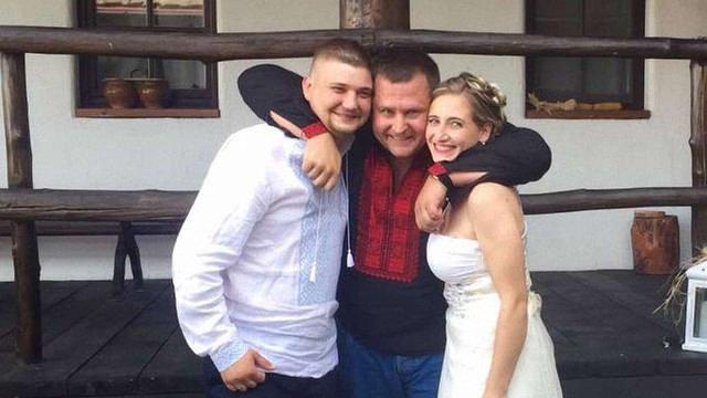 Дмитро Ярош видав доньку заміж