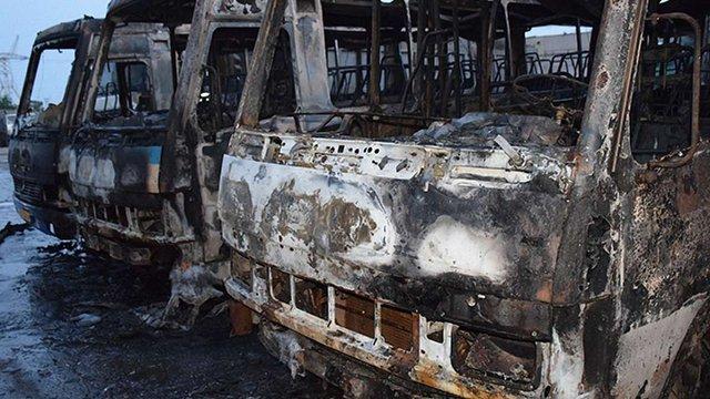 В Миколаєві на стоянці згоріло шість автобусів