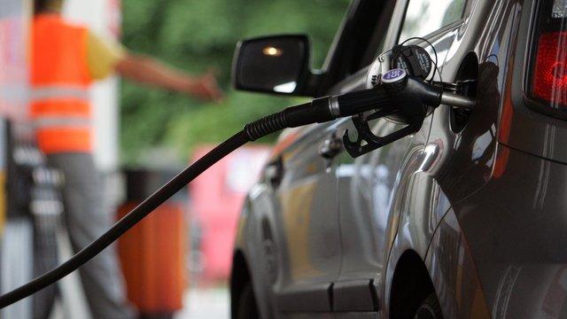 АМКУ обіцяє от-от вирішити, чи був зимовий стрибок цін на бензин змовою АЗС